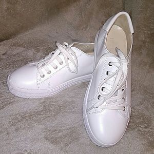 Nine West Leather Upper White Shoes 5M